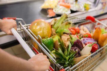 Così supermercati e negozi ti fanno spendere di più
