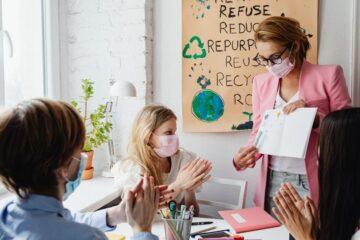 Mascherina e Green pass: cosa rischia il docente a scuola?
