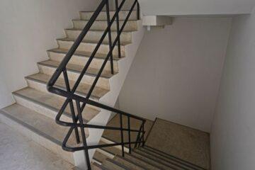 Appropriazione di parti comuni condominiali: cosa fare?