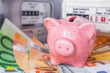 8 modi per risparmiare sulle bollette di luce e gas