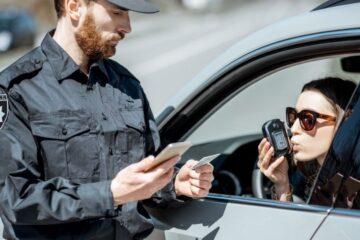 Guida in stato di ebbrezza: quando c'è revoca della patente?